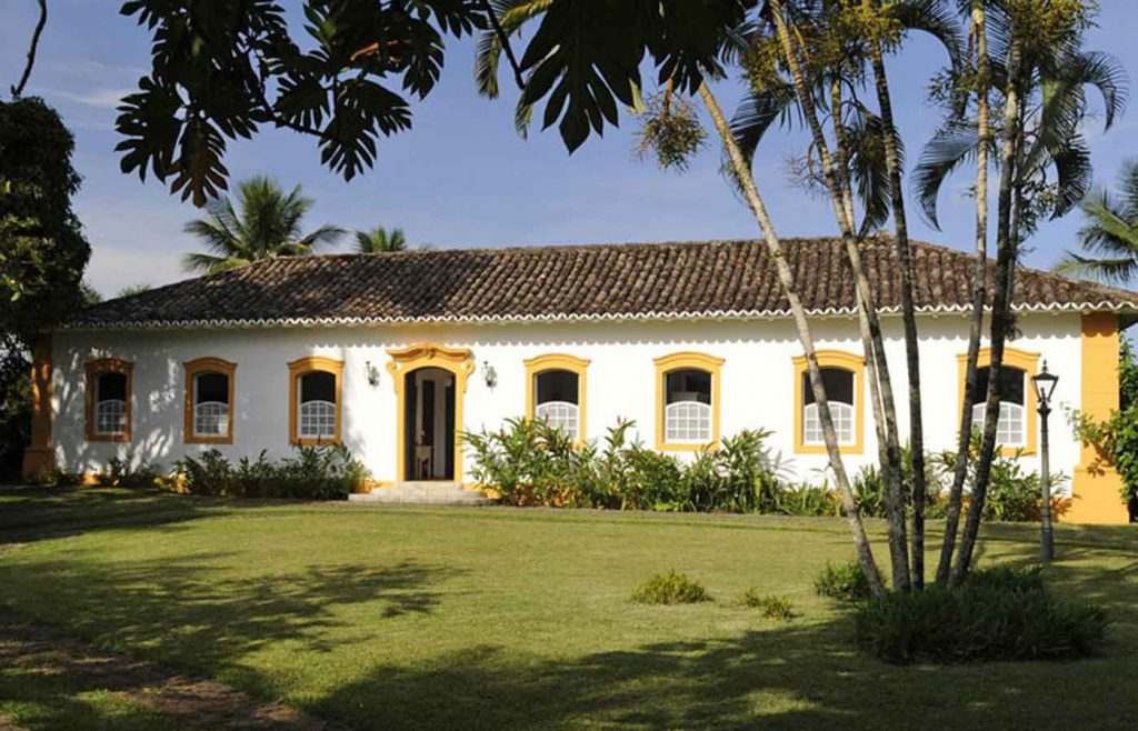 casarao amarelo- luxurious private beach house in Paraty -Brazil