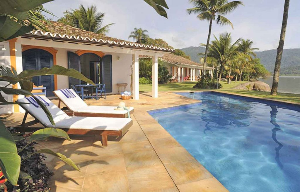 casarao amarelo- holiday -relax -pool - Paraty Brazil