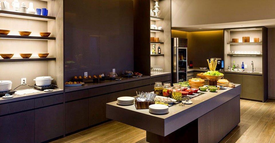 A variety of snack and buffet options in the Executive lounge at the Grand Hyatt Rio de Janeiro