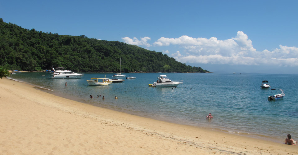 Praia Vermelha in the Bay of Paraty