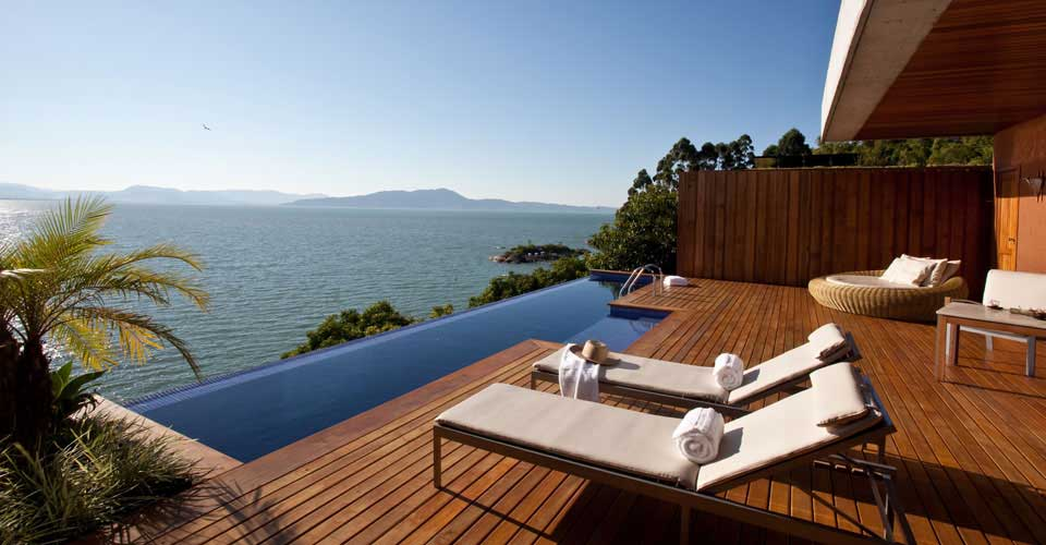 Luxurious suites with private pools at Ponta dos Ganchos